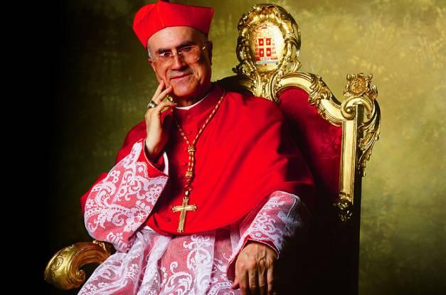 «Tarcisio Bertone papa…»